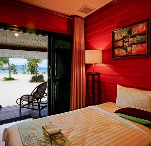 Stay on Nyaung Oo Phee island for 2 nights in Premium Air-conditioning room(C.A.)